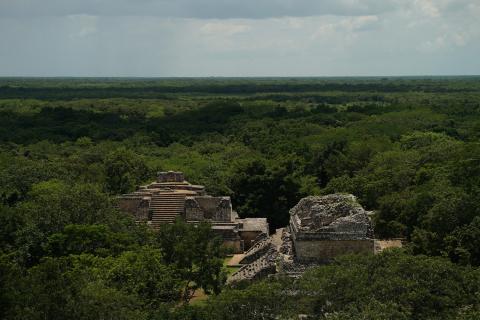 マヤ文明 地下洞窟の謎